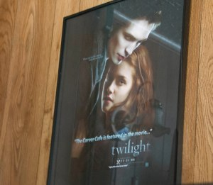Poster saying that the Carver Cafe was part of Twilight