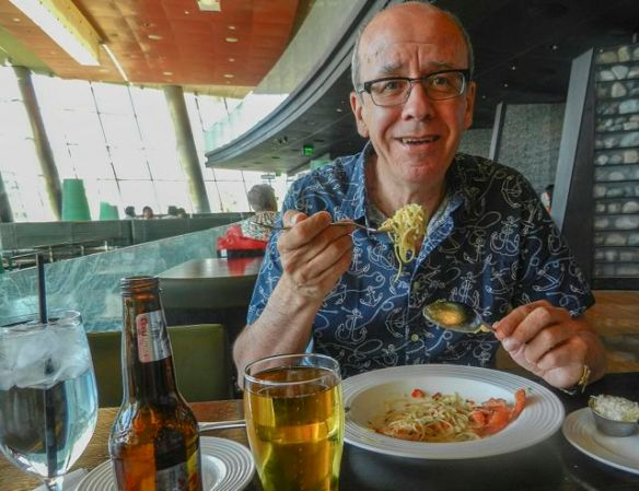 Si enjoying lunch at the Aria Cafe