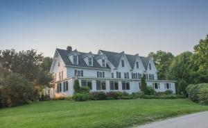 The Inn at Pleasant Lake