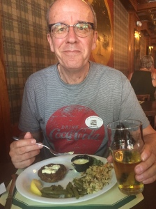 Si and his crab cakes copy