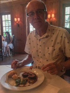 Si with his fillet mignon